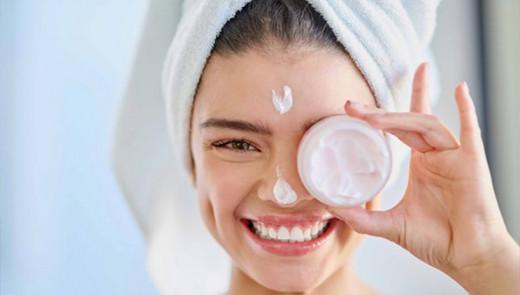Nëse doni të shkëlqeni si gratë franceze, përdorni vetëm këtë produkt kozmetik