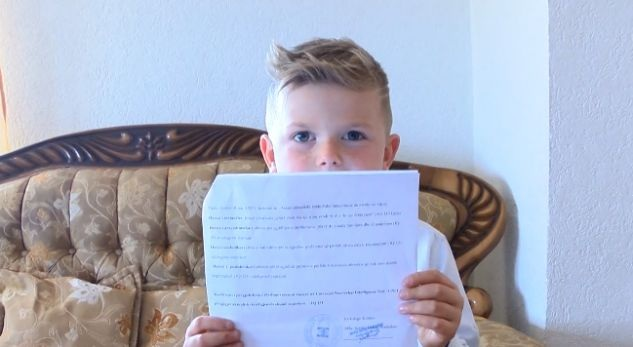 Gjeniu 6-vjeçar shqiptar që flet shtatë gjuhë