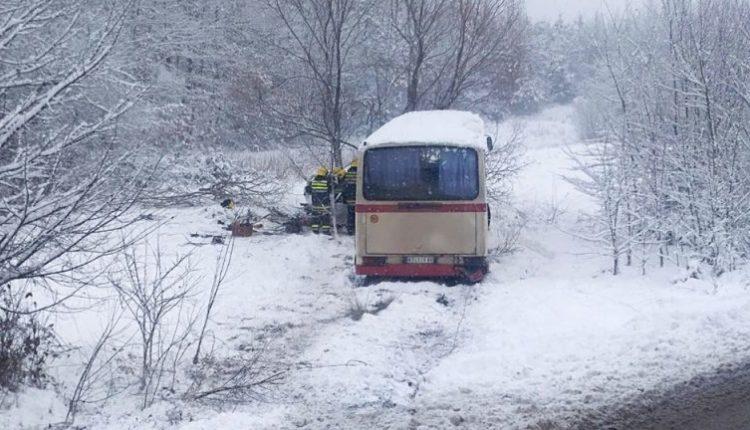 Autobousi përplaset me veturën në Serbi, një i vdekur e dhjetëra të lënduar