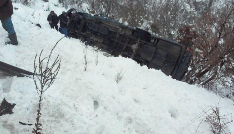 11 të lënduar gjatë një aksidenti në magjistralen Gostivar-Kërçovë, ja çka thotë policia (FOTO)