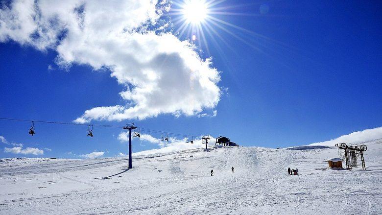 Në Mavrovë 95, në Kodrën e Diellit 50 centimetra borë