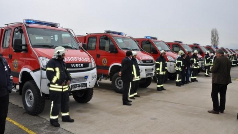Tetë intervenime të zjarrfikësve në Shkup gjatë natës së Vitit të Ri