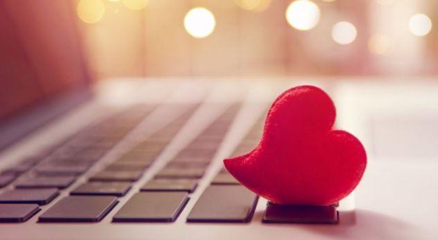 Google zbulon se çfarë kërkojnë më tepër njerëzit para Shën Valentinit