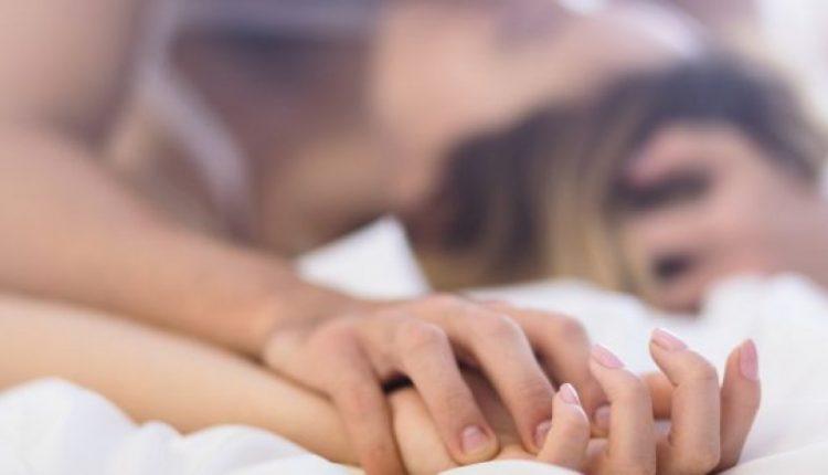 Kujdes: Këto tre gjëra nuk duhet t'i bëni asnjëherë para marrëdhënies seksuale