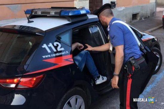 Mbyti me qese piktoren italiane, burg të përjetshëm për 30-vjeçarin shqiptar