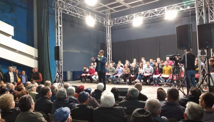 Pendarovski në Kumanovë: Vetëm me hyrjen në BE të rinjtë do të jenë konkurrues dhe do të kenë prosperitet