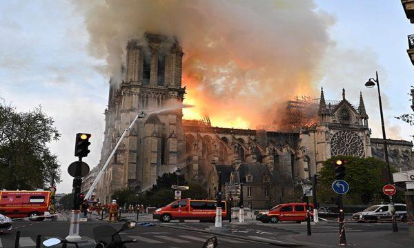 Nisin hetimet për shkakun e zjarrit në Notre-Dame