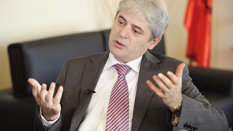 Ahmeti flet për ikjen e qytetarëve nga Maqedonia (Video)