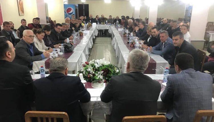 Kryetari i PDSH-se takoi shtabin e qytetit te Shkupit