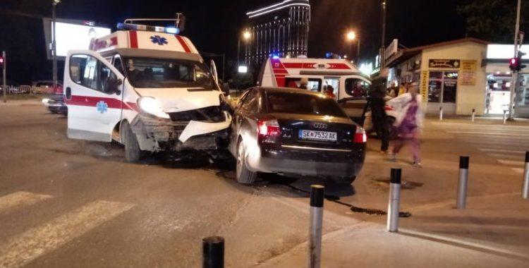 Shkup, Ndihma e Shpejtë përplaset me një Audi, lëndohet një vajzë