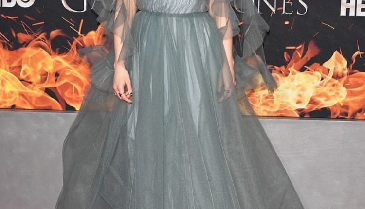 """Premiera e sezonit final të """"Game of Thrones"""": Çfarë veshën yjet që kanë gozhduar miliona shikues para ekranit! (FOTO)"""