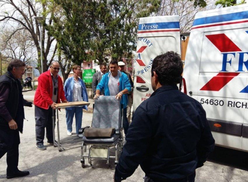 Dy organizata dhurojnë pajisje mjekësore në Qendrën Klinike në Shkup