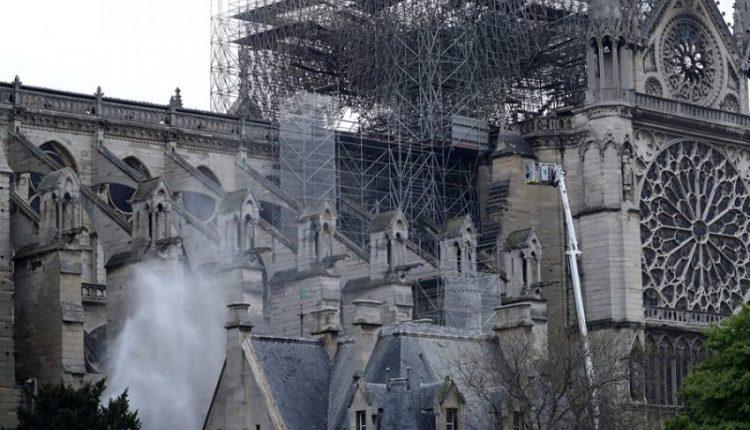 """Biznesmeni francez dhuron 200 milionë euro për riparimin e """"Notre Damet"""""""