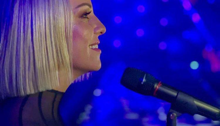 """Tamara Todevska me """"Proud"""" sonte në Eurovizion"""