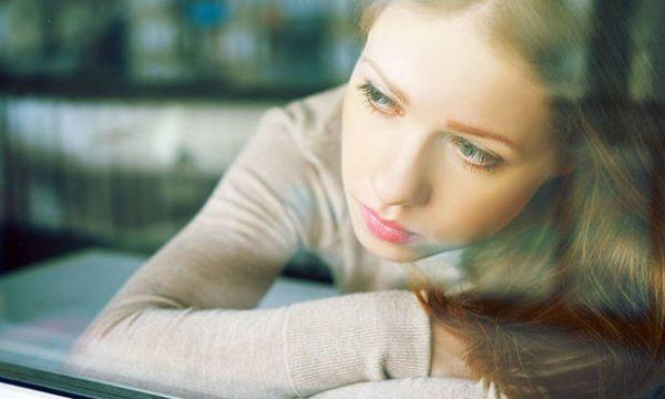 Gjashtë shenja që tregojnë se jeni në depresion pa e kuptuar