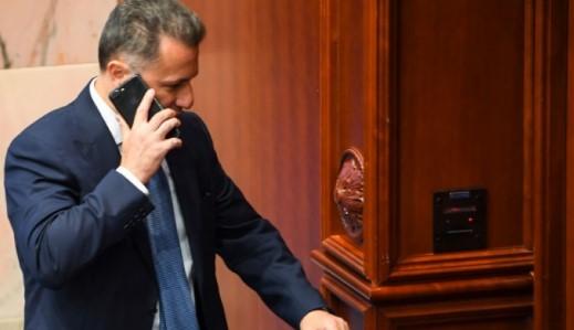 Të hënën debat në komision për marrjen e mandatit të Gruevskit