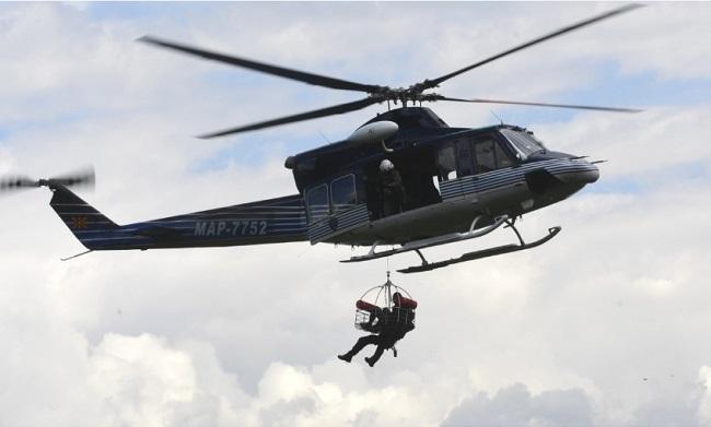 Helikopterë në të gjitha anët mbi qiellin e Shkupit (Foto)