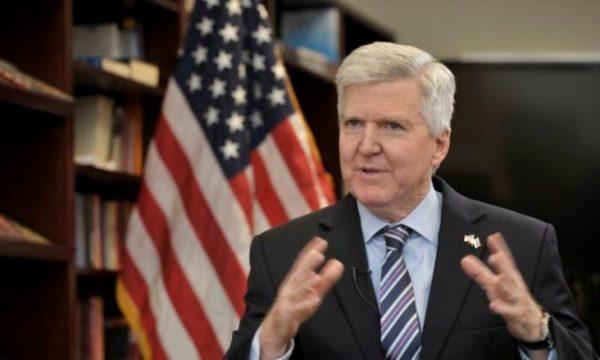 Ambasadori amerikan: Interasante ajo që tha Vuçiq për Kosovën në Kuvend