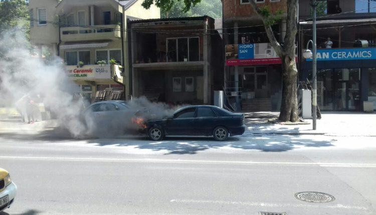 Digjet një makinë në Çair të Shkupit (FOTO)