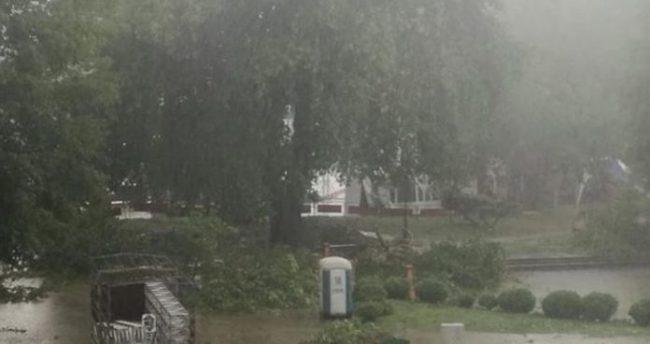 """Stuhia """"Andrea"""" pritet të godasë Shkupin, apeli për qytetarët"""