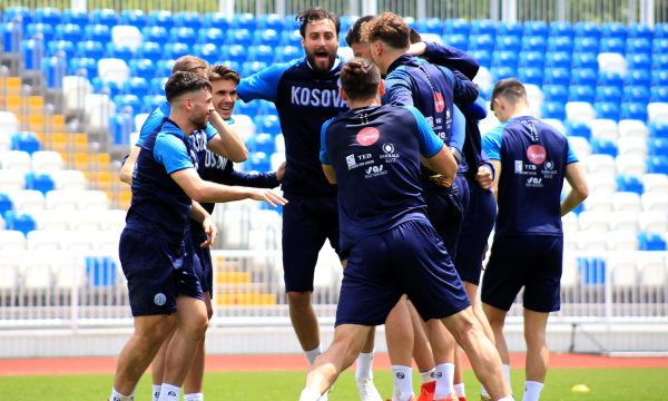 Kush do të jetë kapiten i Kosovës dhe me çfarë formacioni do të luhet kundër Malit të Zi?
