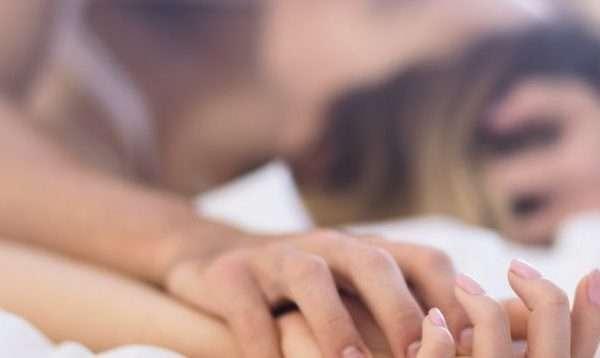 Ja sa minuta zgjat realisht seksi në çift