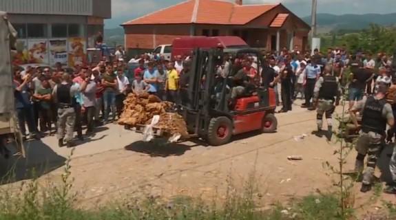 Pamje nga aksioni në Luboten, është konfiskuar sasi e madhe e duhanit (Video)