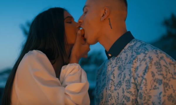Fero publikon këngën e re, Arbenita shfaqet shumë seksi në klip