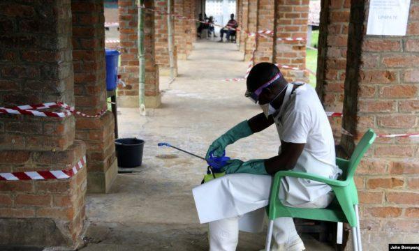 """Shpërthimi i ri i Ebolës në Afrikë, """"i frikshëm"""""""