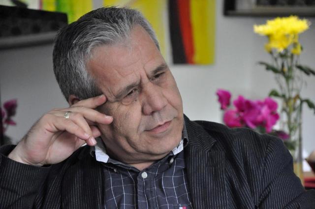 """Pse përgjimet telefonike të Rilindjes janë më të frikshme se """"bombat"""" e opozitës maqedonase"""