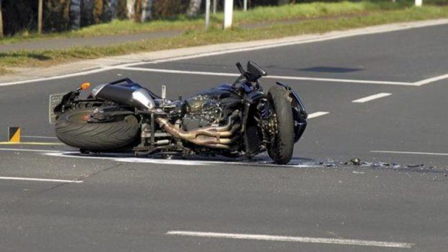 Aksident trafiku në Shkup, lëndohet rëndë një motoçiklist