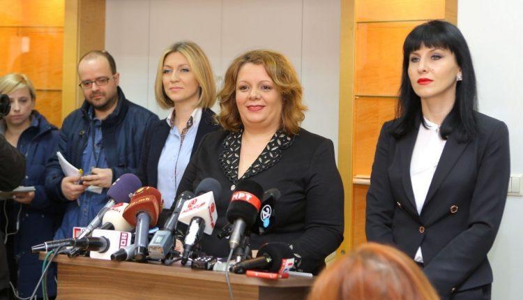 Misioni i OSBE-së në Shkup sot do ta prezantojë raportin e dytë për aktivitetet dhe lëndët nën kompetencë të Prokurorisë Speciale Publike (PSP).  Raporti është rezultat i ndjekjes së procedurave gjyqësore në lëndët e PSP-së, nga ana e Misionit të OSBE-së.  Në prezantim do të mbanë fjalim prokurorja Katica Janeva dhe ambasadori Klemense Koj – shef i Misionit të OSBE-së në Shkup.