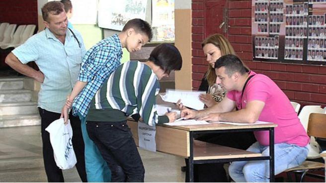 Të hënën fillon regjistrimi i nxënësve në shkollat e mesme
