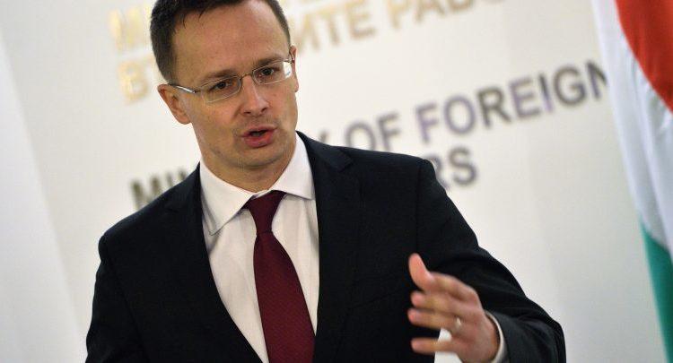 Shefi i diplomacisë hungareze Siarto në Shkup