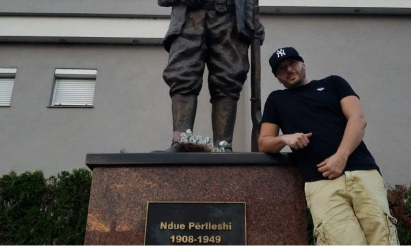 Unikkatil do ta mbajë koncertin e fundit të karrierës në Mitrovicë