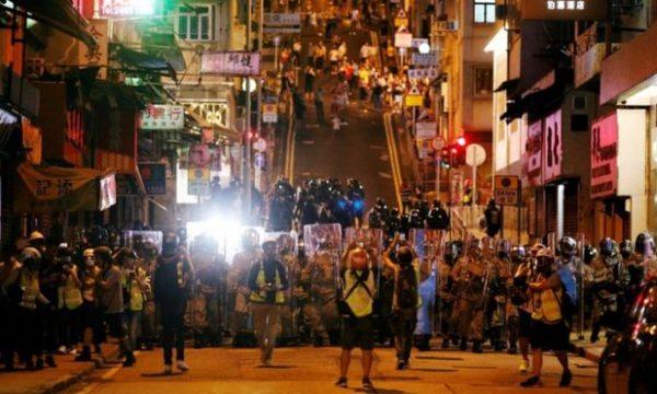 Kina dënon protestat në Hong Kong