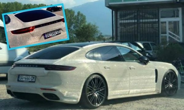Vetura Porsche e këtij prizrenasi po habit të gjithë