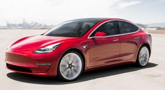 Makinat Tesla së shpejti do të kenë YouTube dhe Netflix