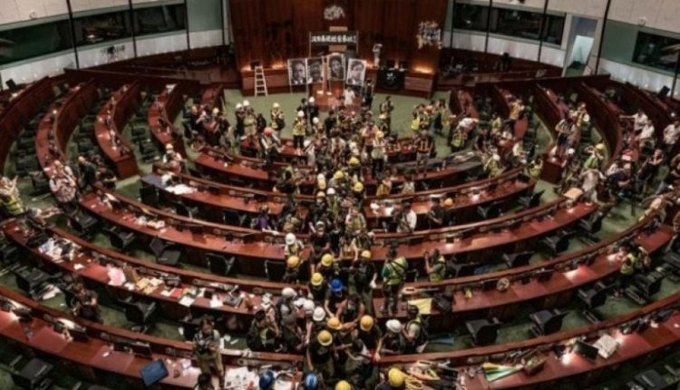 Kina akuzon protestuesit e Hong Kongut për shkelje të ligjit