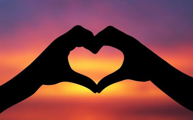 5 simbolet e dashurisë dhe kuptimet e vërteta që fshihen pas tyre