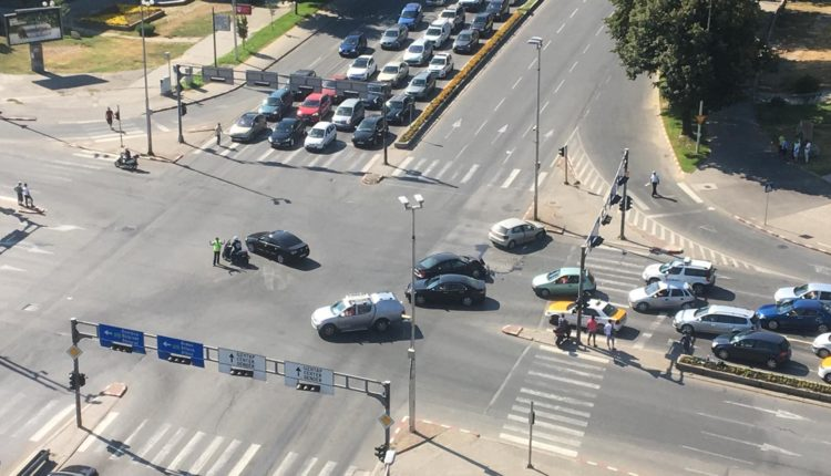 Aksident trafiku në Shkup, bllokohet trafiku