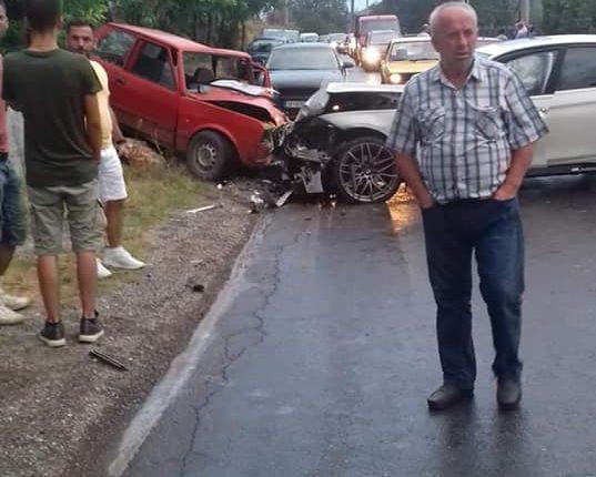 Aksident në Semenishtë të Sarajit, lëndohen disa persona (FOTO)