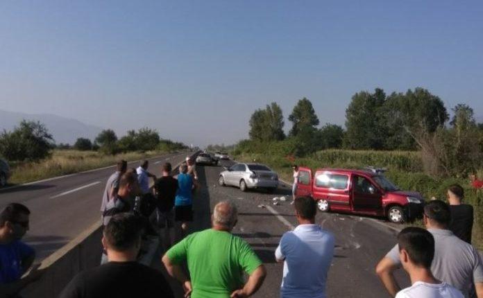 Aksident në autostradën Tetovë – Gostivar, ka të lënduar (FOTO)