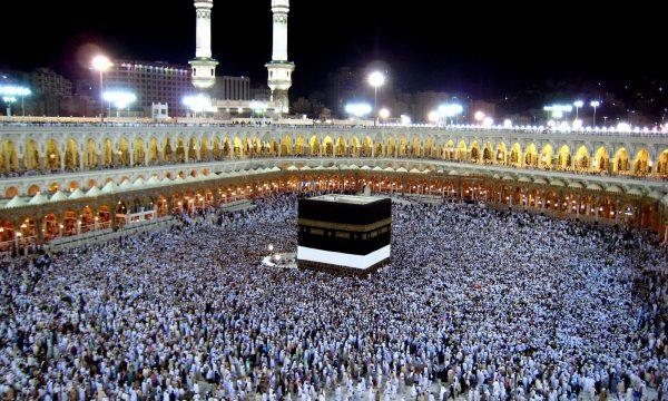 Në prag të Haxhit: 1.8 milionë pelegrinë në Mekë