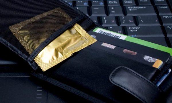 Pasi ta lexoni këtë, ju kurrë më nuk do e mbani prezervativin në kuletë