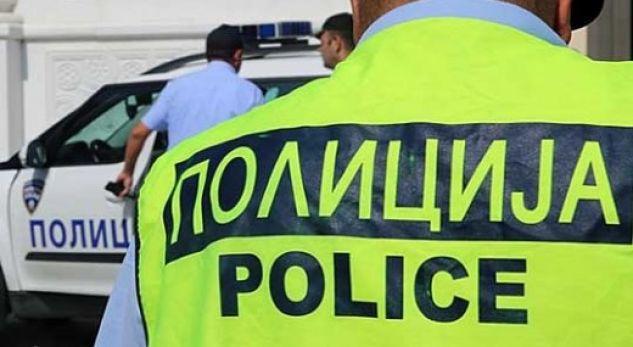 Policia gjen babain dhe nënën nga Shkupi që lanë dy fëmijët mbyllur në veturë