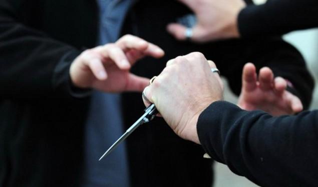 Shkupjani 17 vjeçar goditet për vdekje me thikë