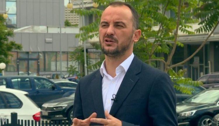 Molliqaj: Albin Kurti nuk ndryshon shumë prej Hashim Thaçit