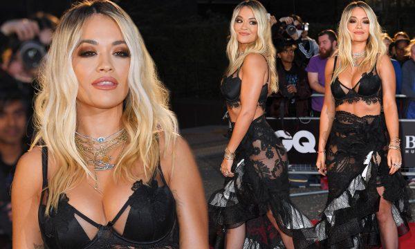 """Rita Ora rrëmben vëmendje në """"GQ Men of The Year"""", shikojeni si ishte veshur"""