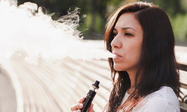 Gratë që përdorin cigare elektronike e kanë më të vështirë të mbesin shtatzënë